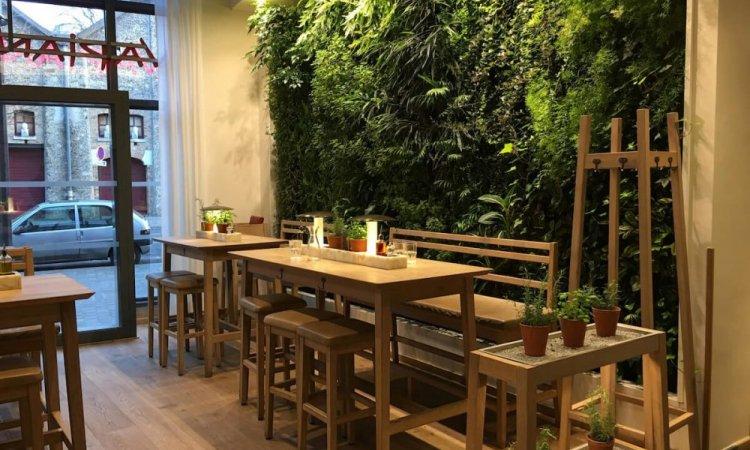 Mur végétal , salle à manger à Gueugnon